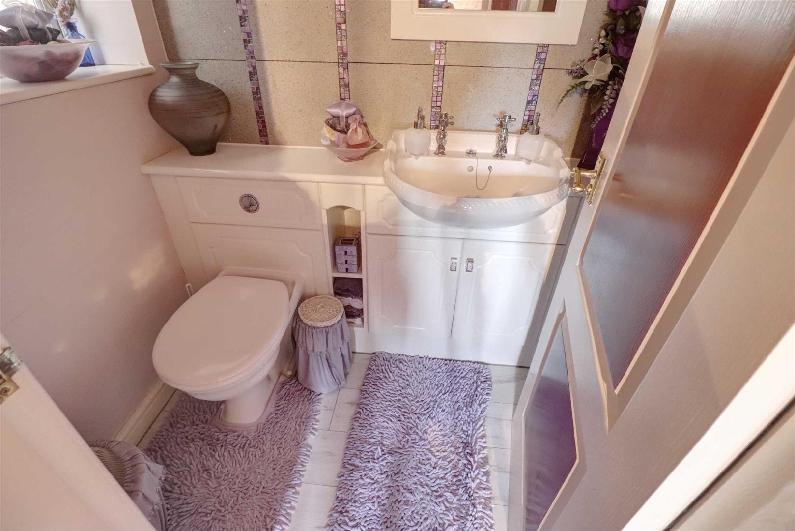 3 Bedroom Detached House For Sale - Image 17